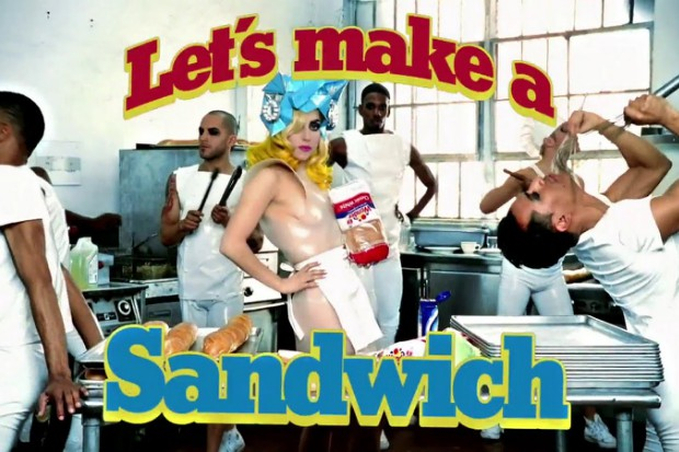 lady-gaga-telephone-video-sandwich