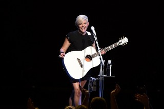 Natalie Maines Of Dixie Chicks Calls Out Country Radio For Trump Support