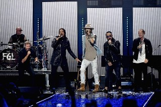 "Backstreet Boys Joins Florida Georgia Line For ""Everybody (Backstreet's Back)"" At iHeartRadio Music Festival: Watch"