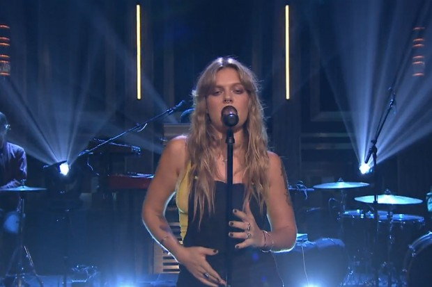 "Watch Tove Lo's Sultry ""Cool Girl"" Performance On 'Fallon ..."