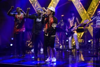 "Bruno Mars Debuts ""Chunky,"" Performs ""24K Magic"" On 'SNL': Watch"