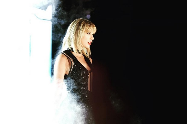 taylor-swift-circuit-of-the-americas