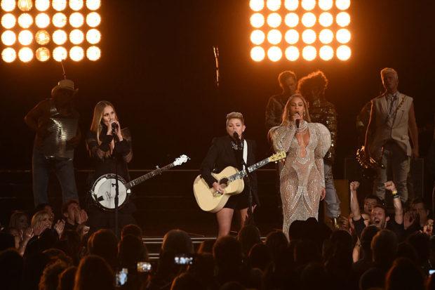 beyonce dixie chicks CMA Awards 2016
