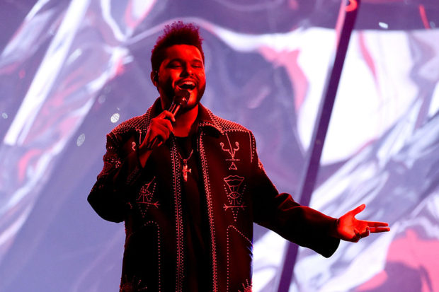 the weeknd 2016 American Music Awards