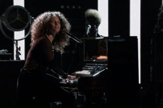 """'The Voice': Watch Alicia Keys' Emotional, Politically-Charged Performance Of """"Holy War"""""""