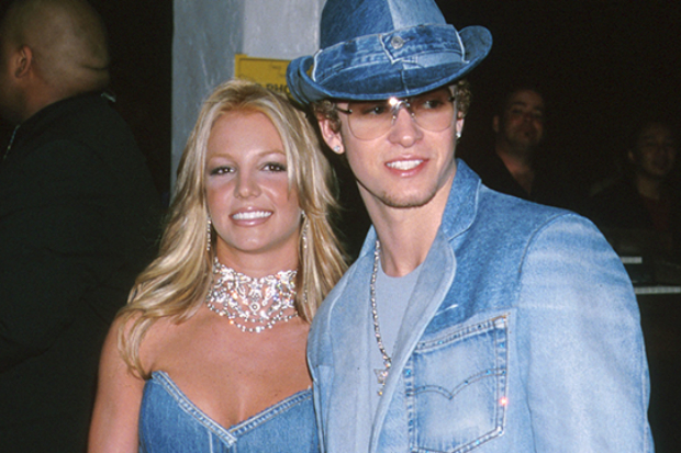 justin-timberlake-britney-spears-denim-outfits-2001
