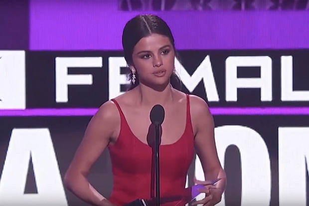 selena-gomez-2016-amas-speech-emotional-american-music-awards
