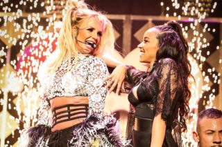 "Britney Spears & Tinashe Perform ""Slumber Party"" At KIIS FM Jingle Ball: Watch"