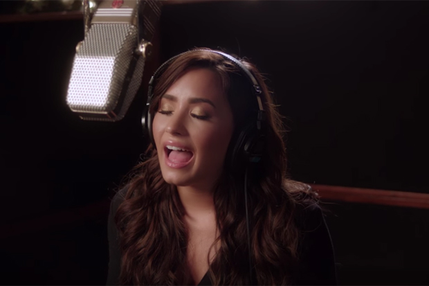 demi-lovato-silent-night