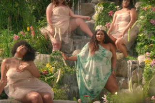 """Lizzo Channels Her Inner Goddess In """"Scuse Me"""" Video: Watch"""