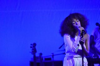 Solange Performs At Peace Ball Leading Up To Inauguration: Watch