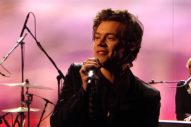 """Harry Styles Performs """"Sign Of The Times"""" On 'Graham Norton': Watch"""