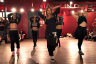"""Tinashe Shows Off Her Dance Moves In """"Flame"""" Choreography Video"""