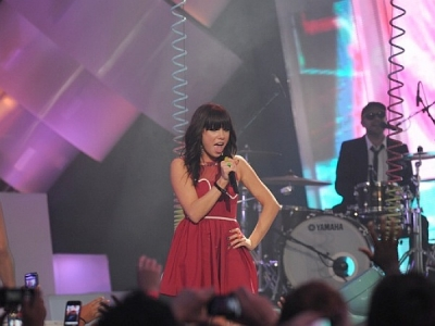 2012 MuchMusic Video Awards: Carly Rae Jepsen & Justin Bieber's Big Night – Watch Performances