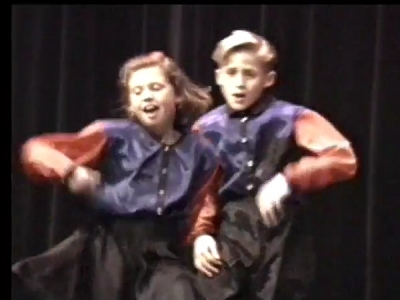 "Ryan Gosling At 10 Dancing To ""Gonna Make You Sweat"": Watch This Talent Show Footage"