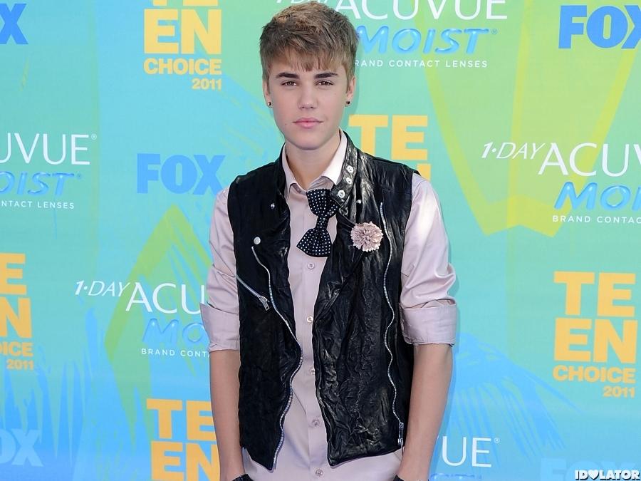 Justin Bieber 39 S Style Evolution 2011 Justin Bieber 16 Idolator